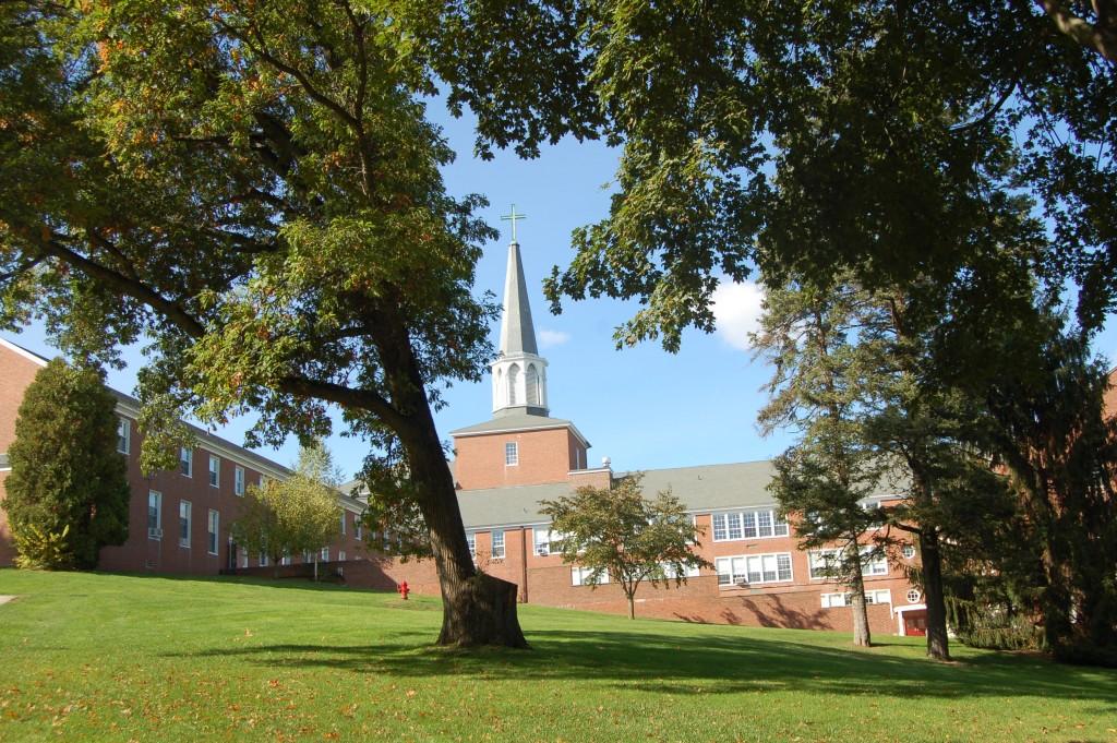 Mynd av Gordon-Conwell Theological Seminary haðani Bjarta Petersen hevur sína útbúgving